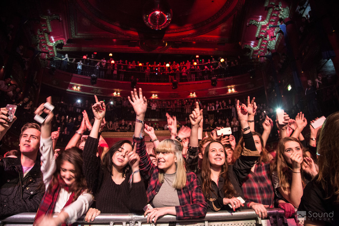 catfish-bottlemen-koko-london-crowd_web